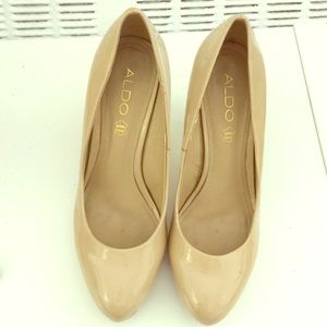 Patent leather Aldo nude heels/platforms